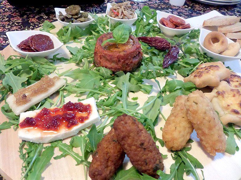 Corso cucina mix di antipasti sfiziosi con fregoni e for Antipasti sfiziosi