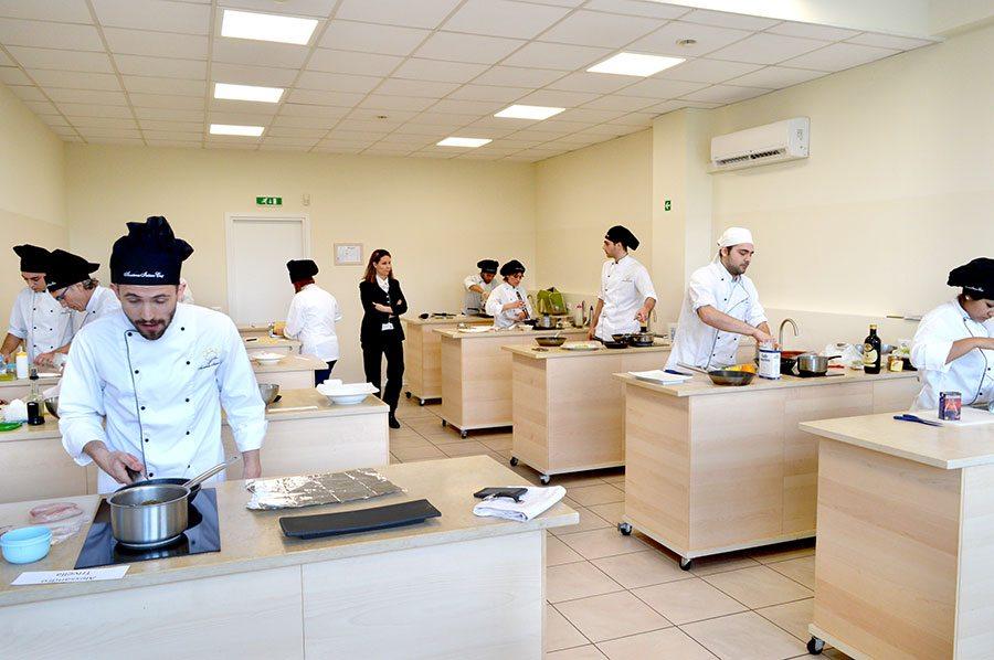 Corsi di cucina corso di cuoco corsi di pasticceria - Accademia di cucina ...