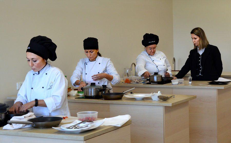 Scuola di cucina sedici nuove promesse della cucina e - Scuola cucina bologna ...