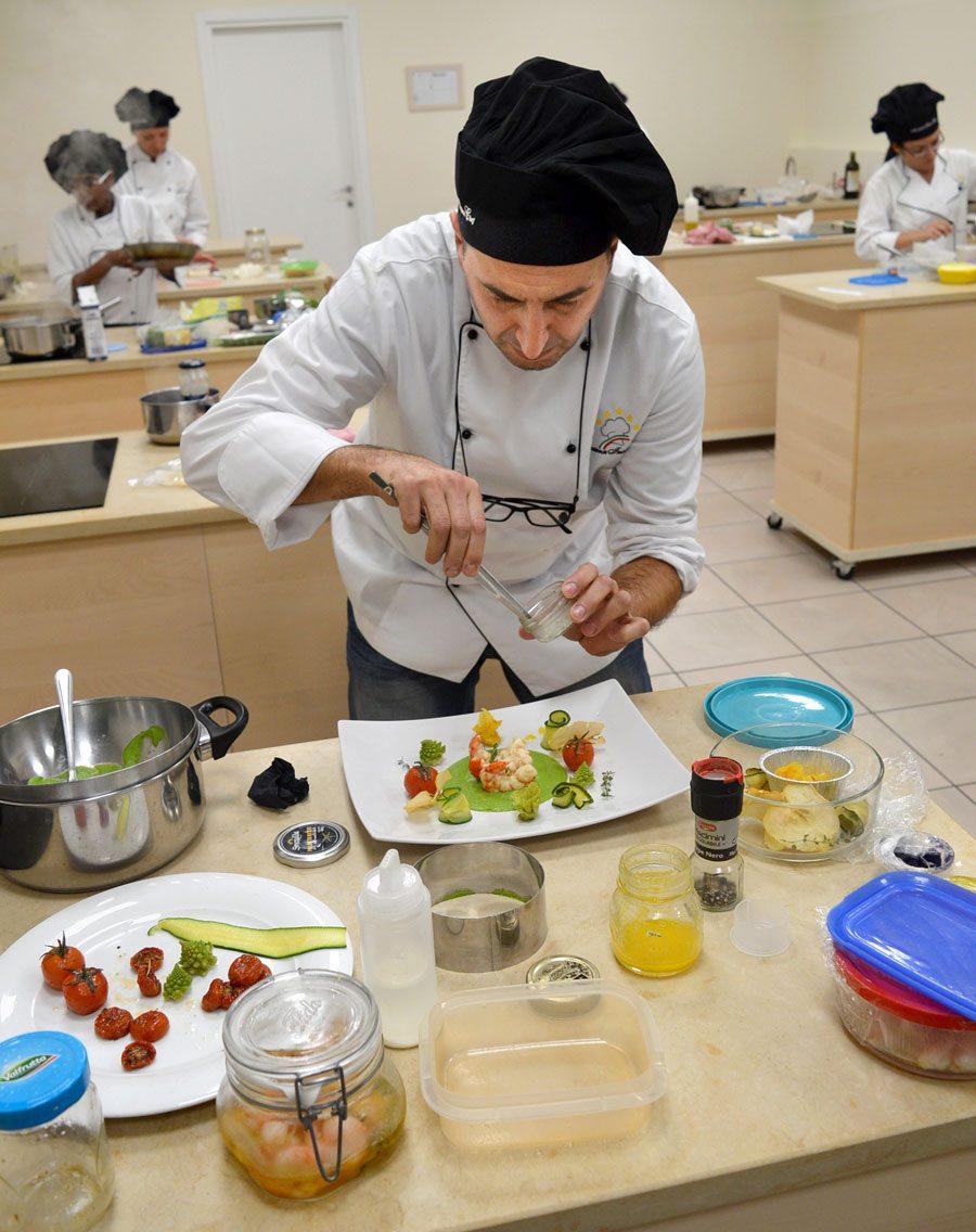 Scuola di cucina corso di cuoco corsi chef corsi - Scuola cucina bologna ...