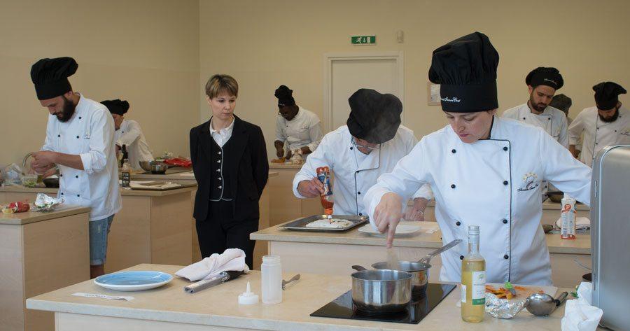 scuola di cucina: diplomati corsi di pizzaiolo, corsi di cuoco. - Scuola Di Cucina Gambero Rosso